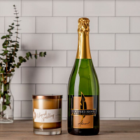 Almond Sparkling Wine and Candle Set